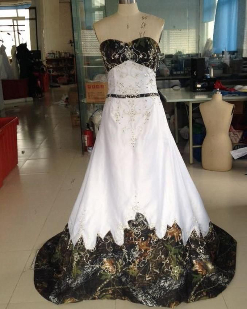 d48c0afd43f Vintage Camo Wedding Dresses Floor Length Satin Embroidered Sweetheart  Strapless Chapel Train Bridal Dresses