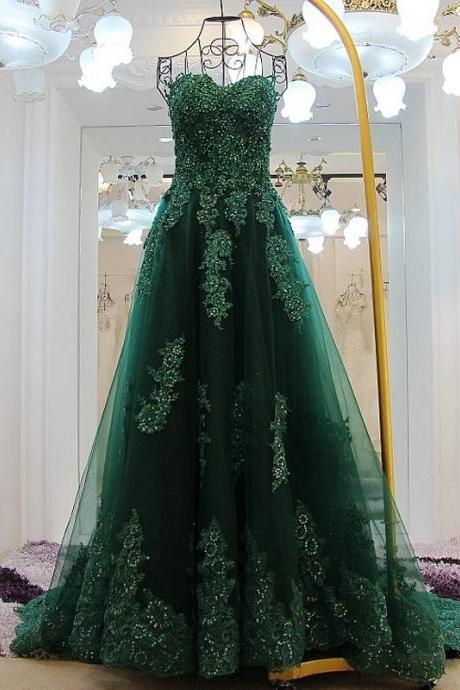 Elegant Hunter Green Lace Applique Prom Dresses Floor Length Sweetheart Neckline Chapel Train Tulle Evening Gowns
