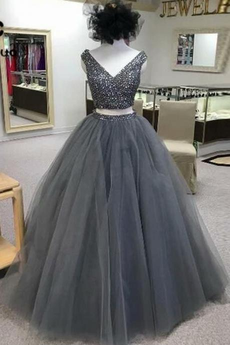 Ball Gown Evening Dresses 2019 V-Neck Sleeveless With Crystal Custom Made Beading Grey 2 Piece Prom Dresses