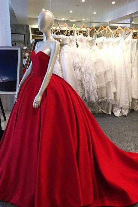 Vintage Satin Sweetheart Red Prom Dresses Chapel Train Strapless Formal Gonws