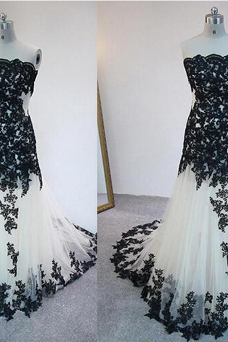 White Floor Length Lace Applique Tulle Sheath Prom Dresses Featuring Lace-up Back Long Elegant Evening Formal Gowns